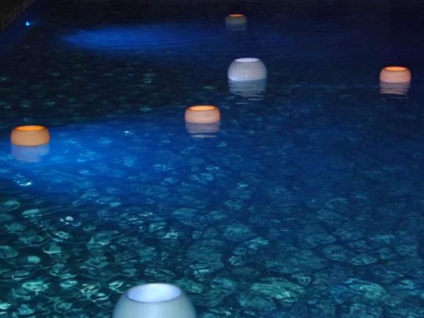 photophore flottant pour piscine ou plan d'eau